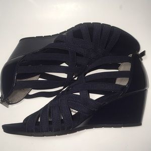 05079532d2 Bandolino Shoes | Gillmiro Strappy Wedge Sandals Size 9 | Poshmark